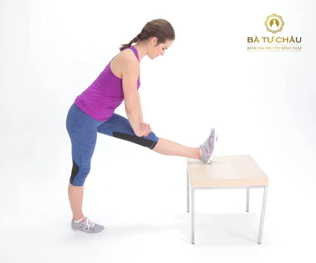 Tư thế Yoga duỗi gân kheo